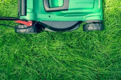 Košnja trave na strmih predelih