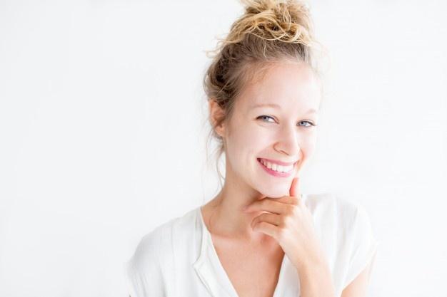 Nevidni zobni aparat za učinkovit in dolgotrajen rezultat pri oblikovanju vaših zob