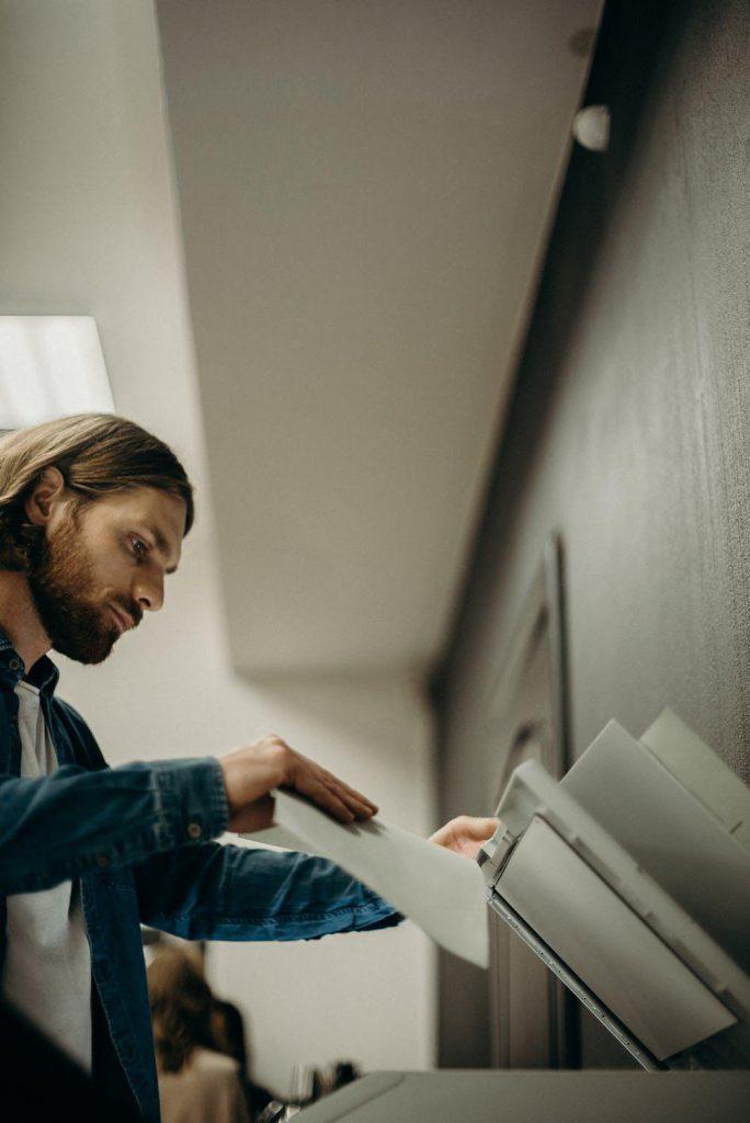 Fotokopirnica Ljubljana omogoča enostavno, hitro in ugodno samopostrežno kopiranje